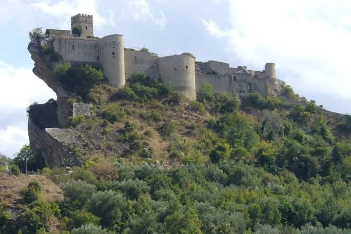 <strong>Il Castello di Roccascalegna e il parco Nazionale della Majella</strong>
