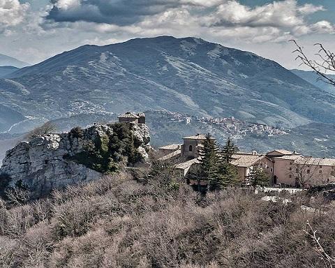 <strong>Giovedì trek – la Mentorella con Nomos</strong>
